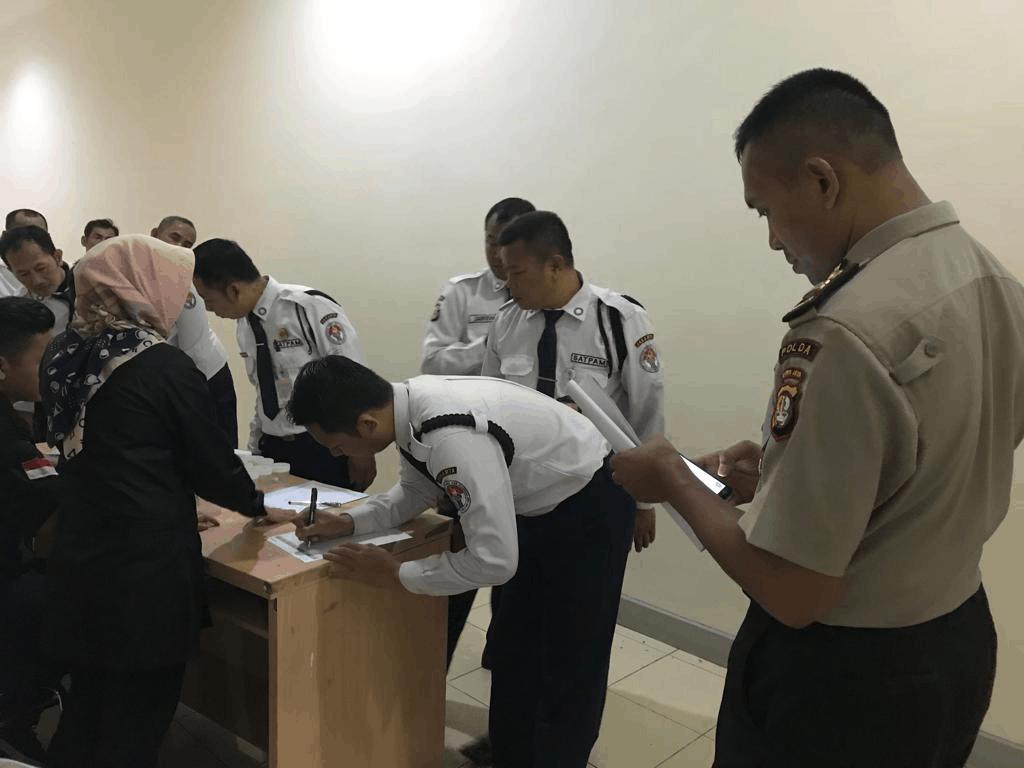 Kemenpora RI Laksanakan Tes Urine Bagi Tenaga Keamanan (Security)
