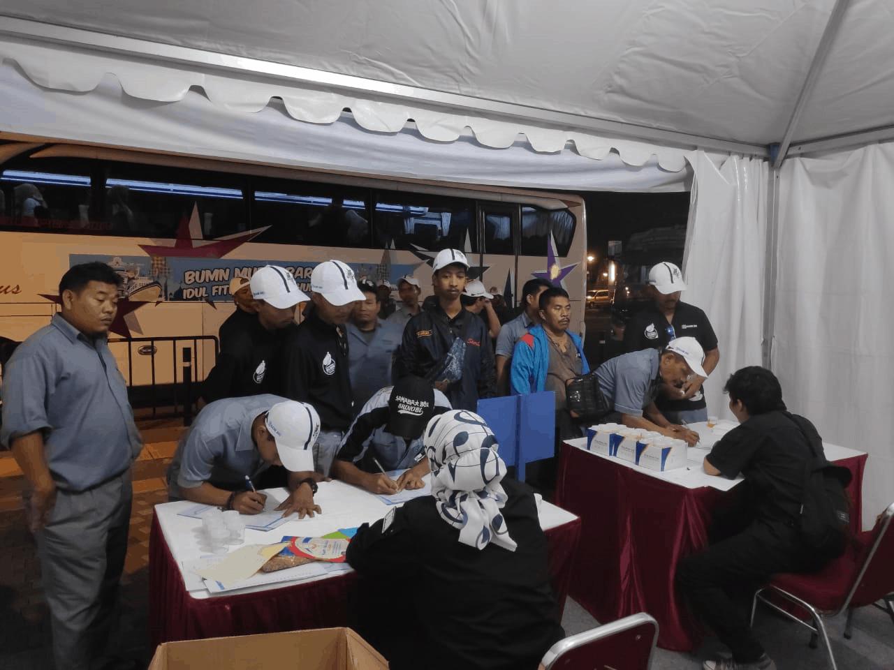 BRI Melaksanakan Mudik Gratis dan Tes Urine Bagi Sopir dan Crew Bis