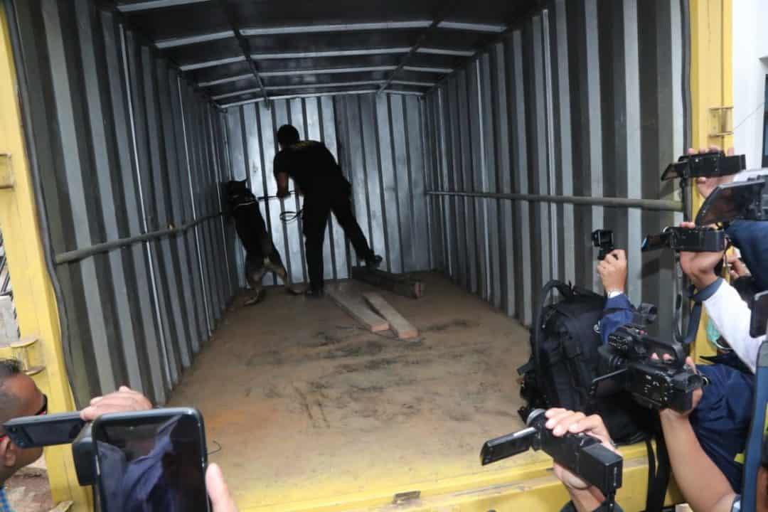 BNN RI Kembali Ungkap Dan Sita Ratusan Kilogram Ganja Dalam Truk Box Di Wilayah Lampung