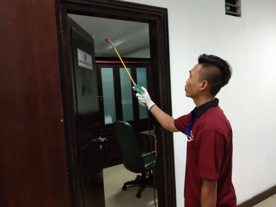 Cegah Penyebaran Virus Corona, BNN RI Semprotkan Cairan Desinfektan