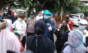 Cegah Ojol Tergiur Bandar Narkoba Deputi Pemberantasan BNN Bagikan 400 Paket Sembako Gratis