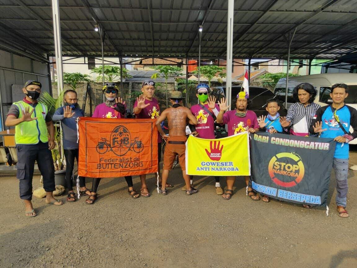 Semarak HANI 2020, Tiga Relawan Anti Narkoba Bersepeda Dari Yogjakarta ke Jakarta
