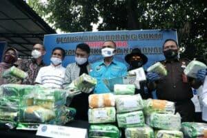 BNN Musnahkan 70 Kg Sabu Dan Ganja Yang Dibeli Online Di Intagram
