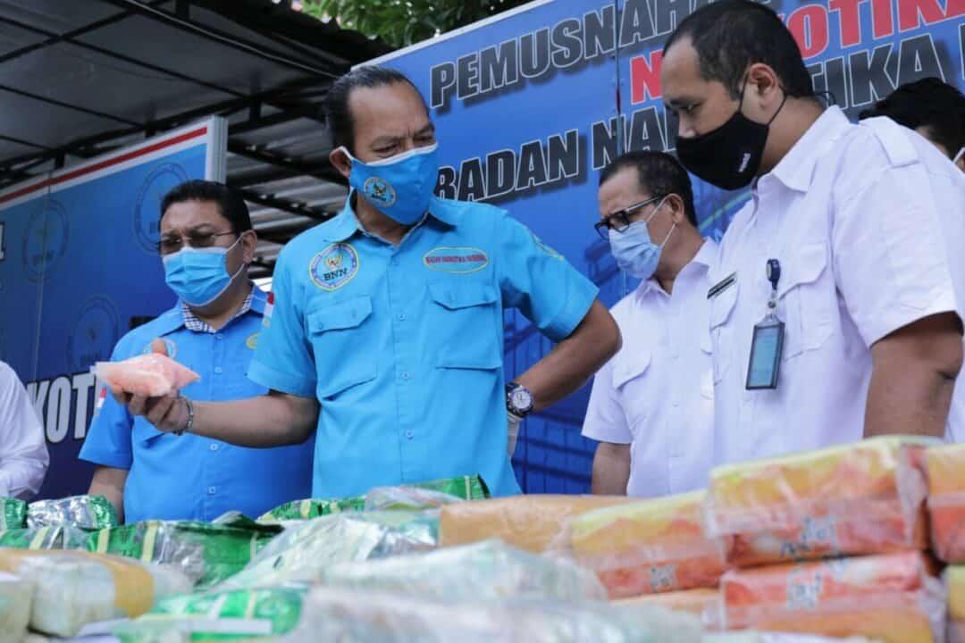 BNN Musnahkan Ratusan Kilogram Sabu, Puluhan Ribu Butir Ekstasi, dan Eutilon