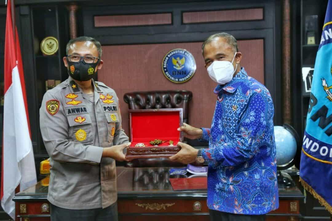 Kepala BNN Terima Penghargaan Bintang Bhayangkara Utama