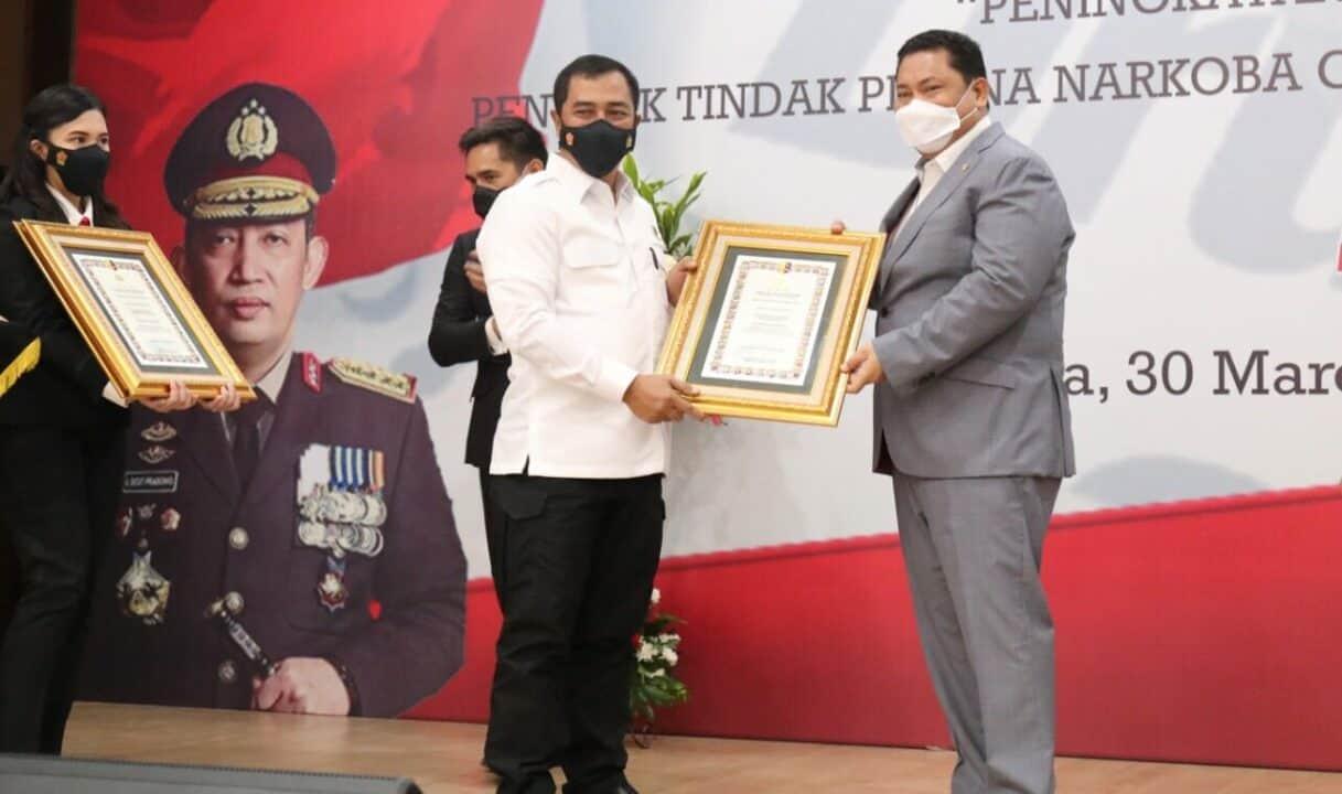 Sinergi BNN-Bareskrim Kuat, Kepala BNN Dianugerahi Piagam Kehormatan